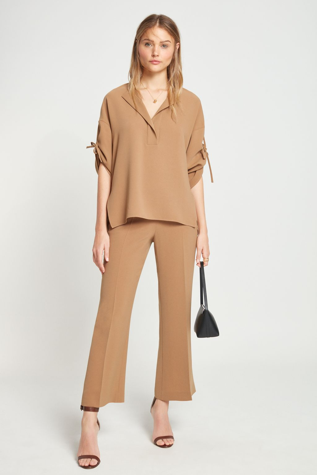 Crepe top with bows