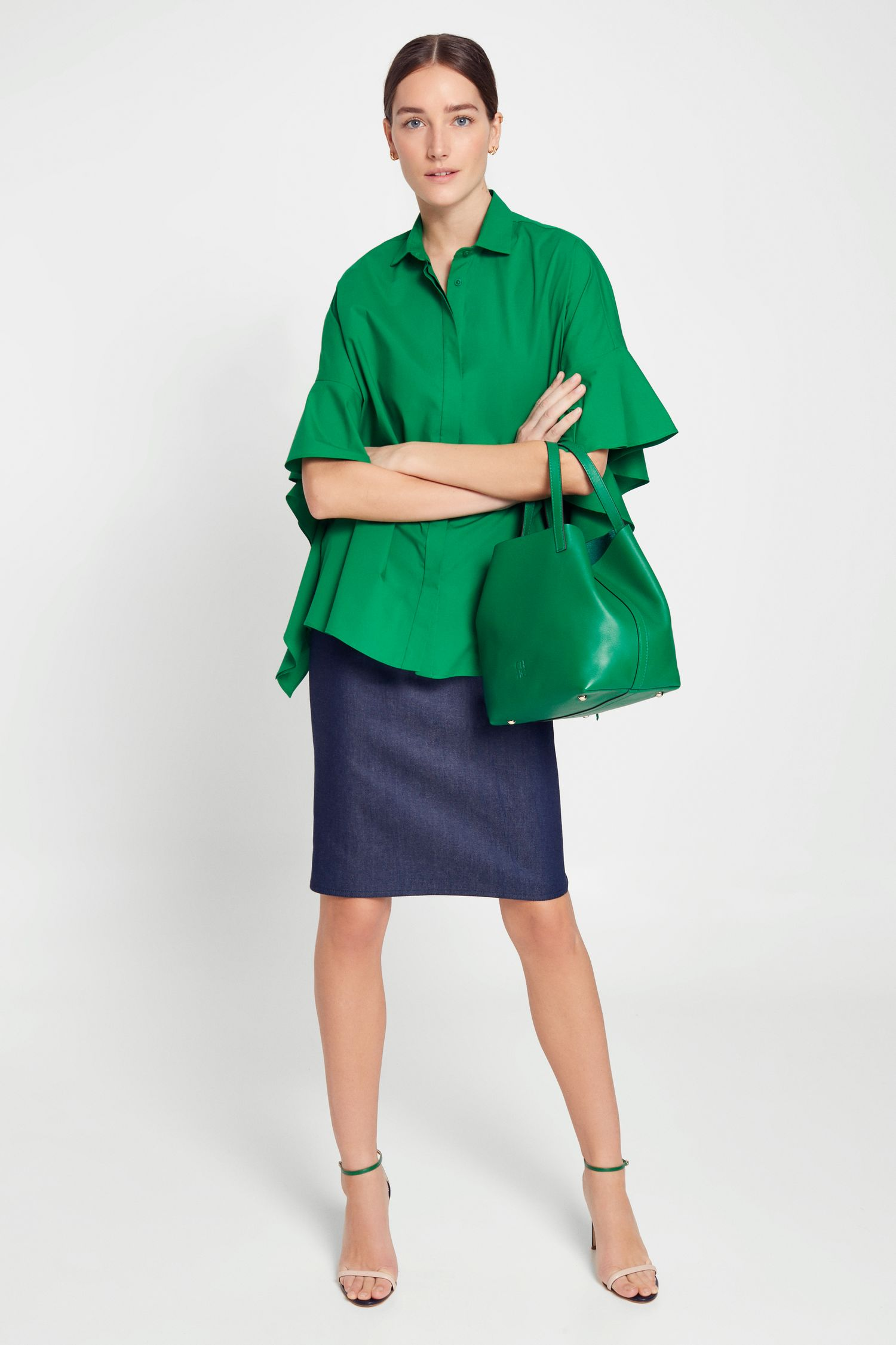 Poplin shirt with ruffled sides