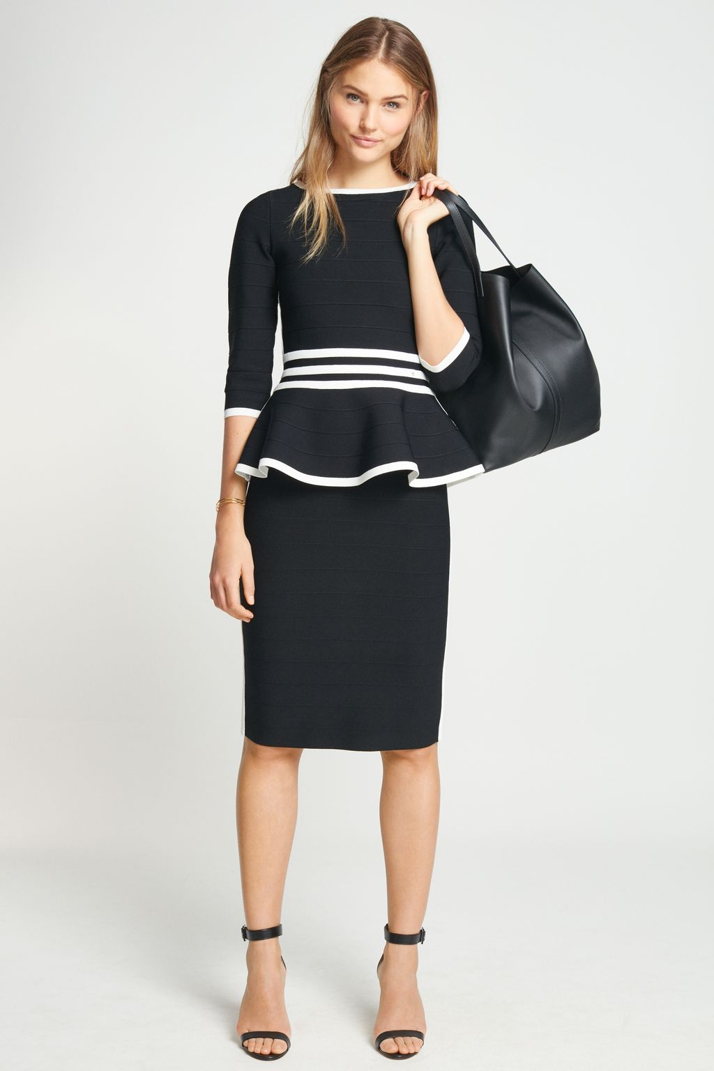 Stretch-knit skirt with stripes