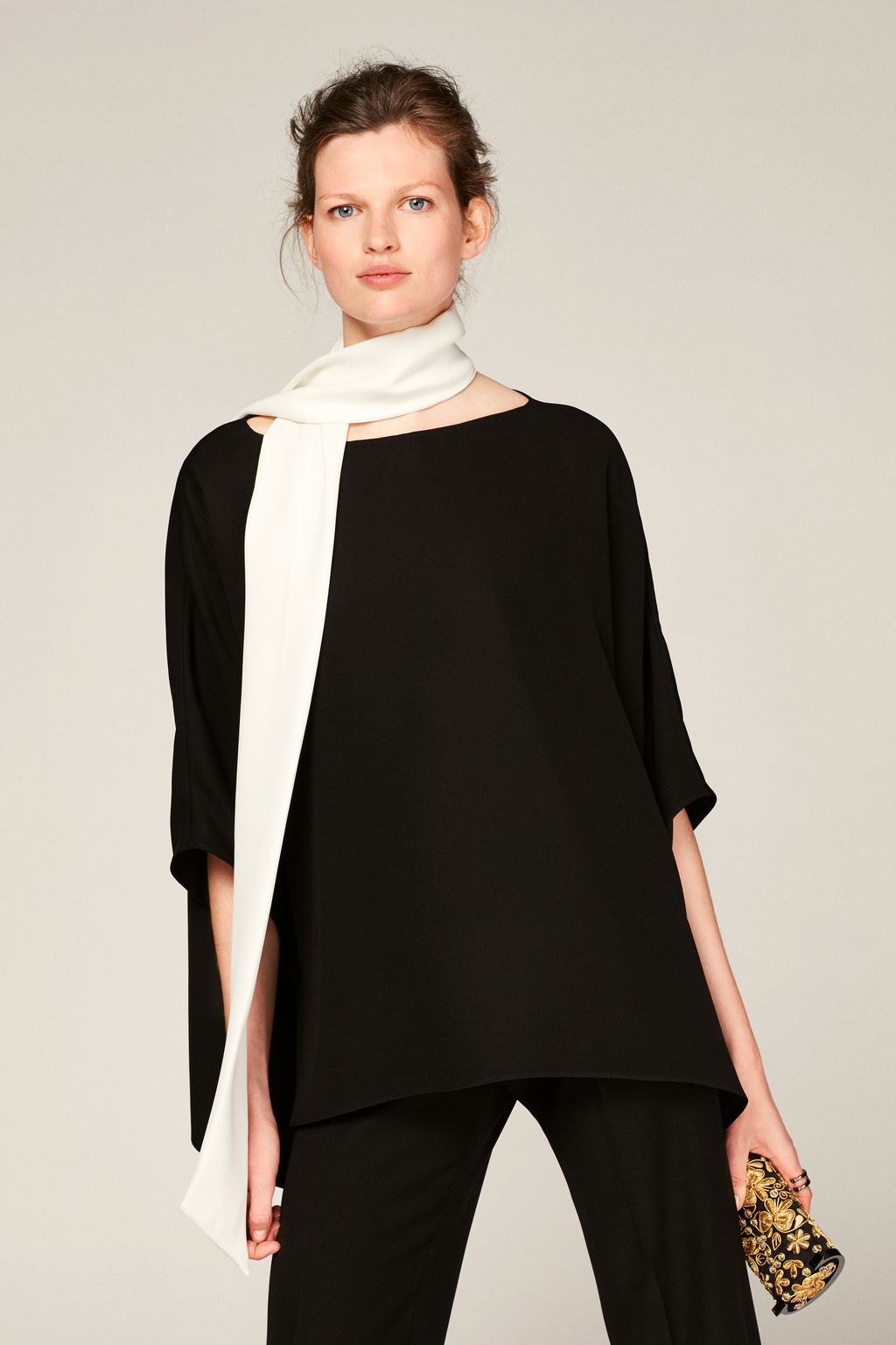 Crepe poncho with scarf