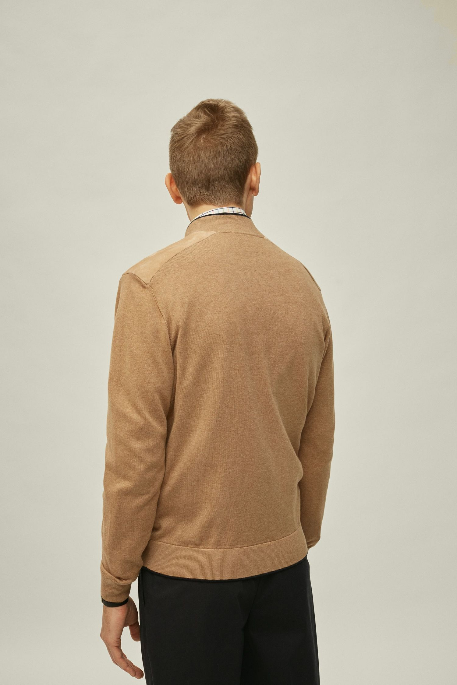 Knitted jacket with suede front