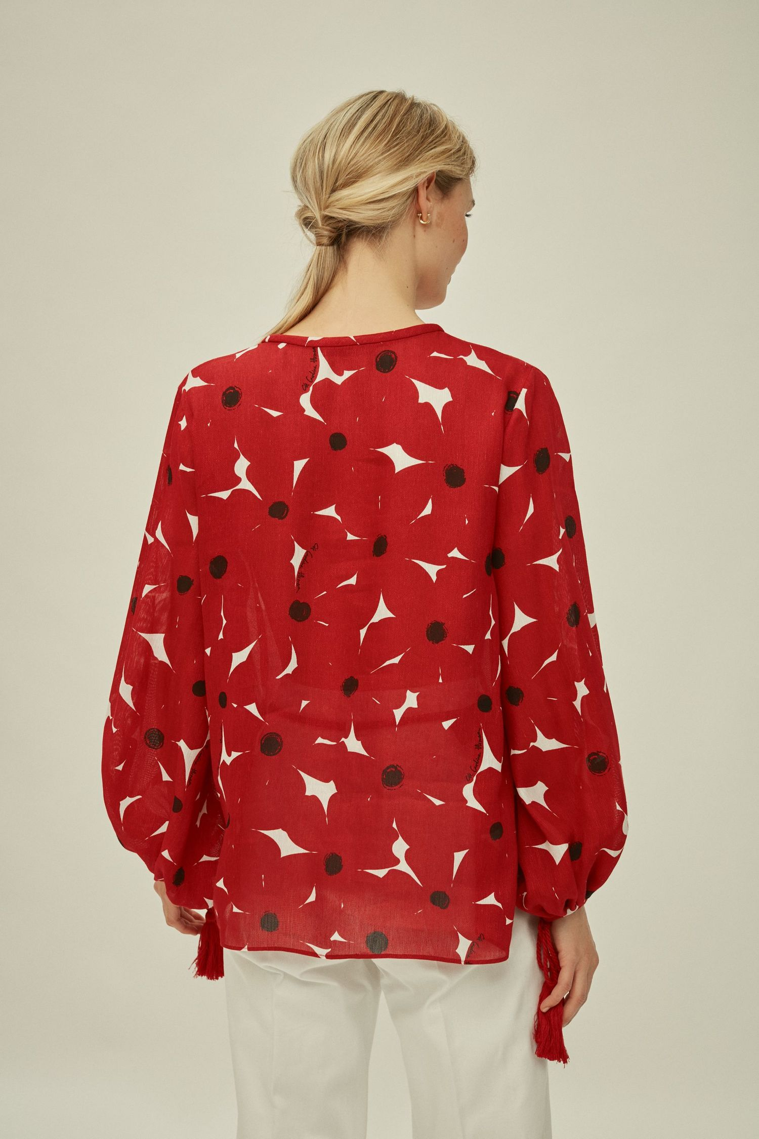 Floral silk and linen blouse