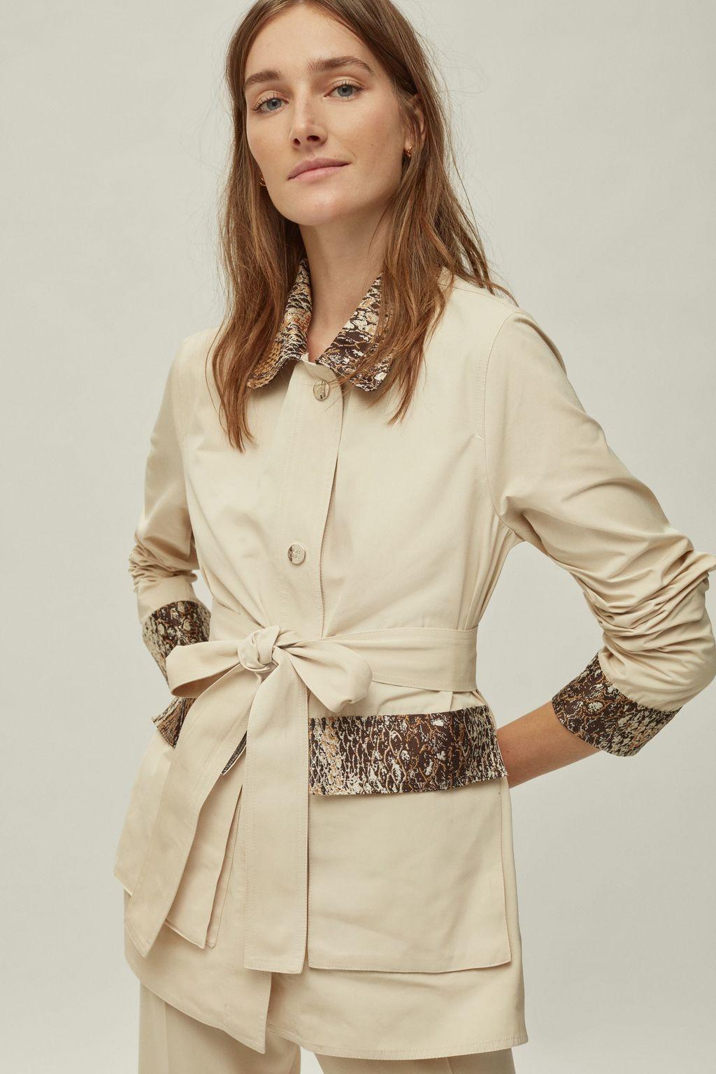 Ottoman jacket with python trims