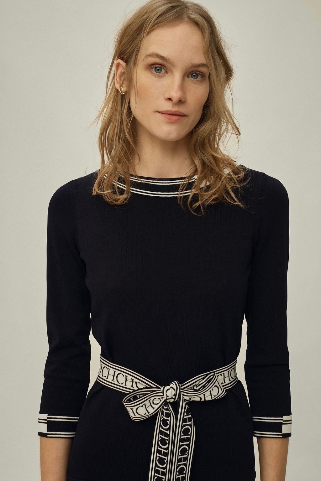 Stretch-knit top with belt