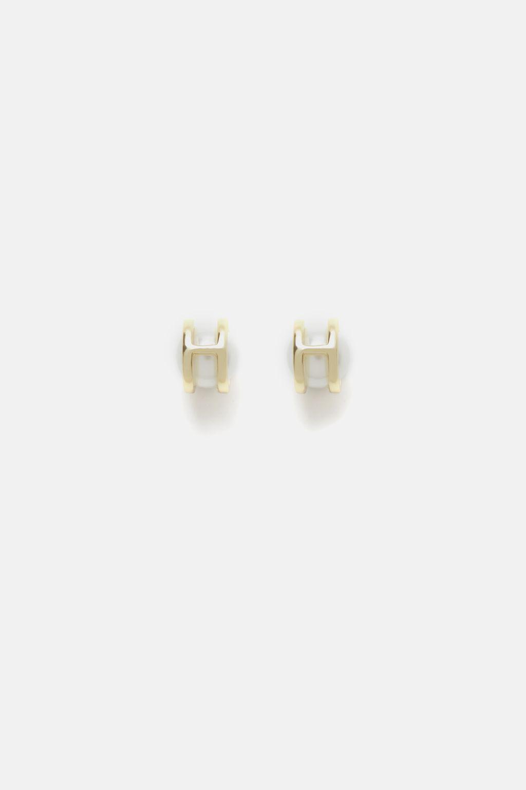 Insignia Pearl earrings