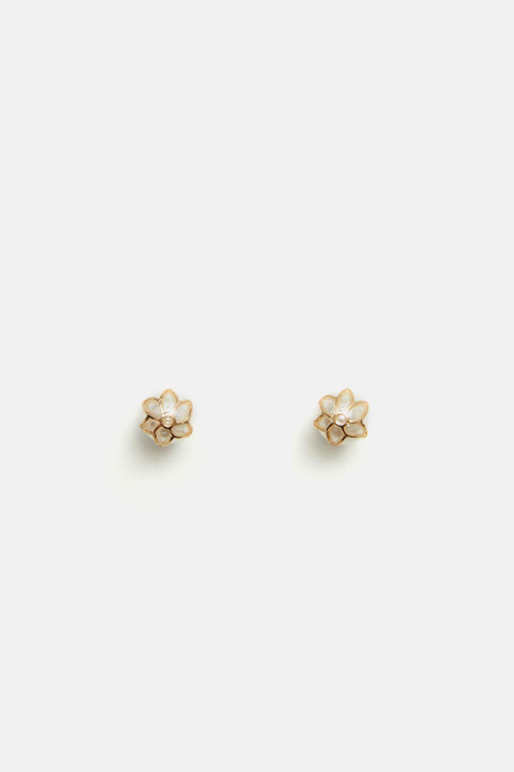Maggie earrings with Jasmine