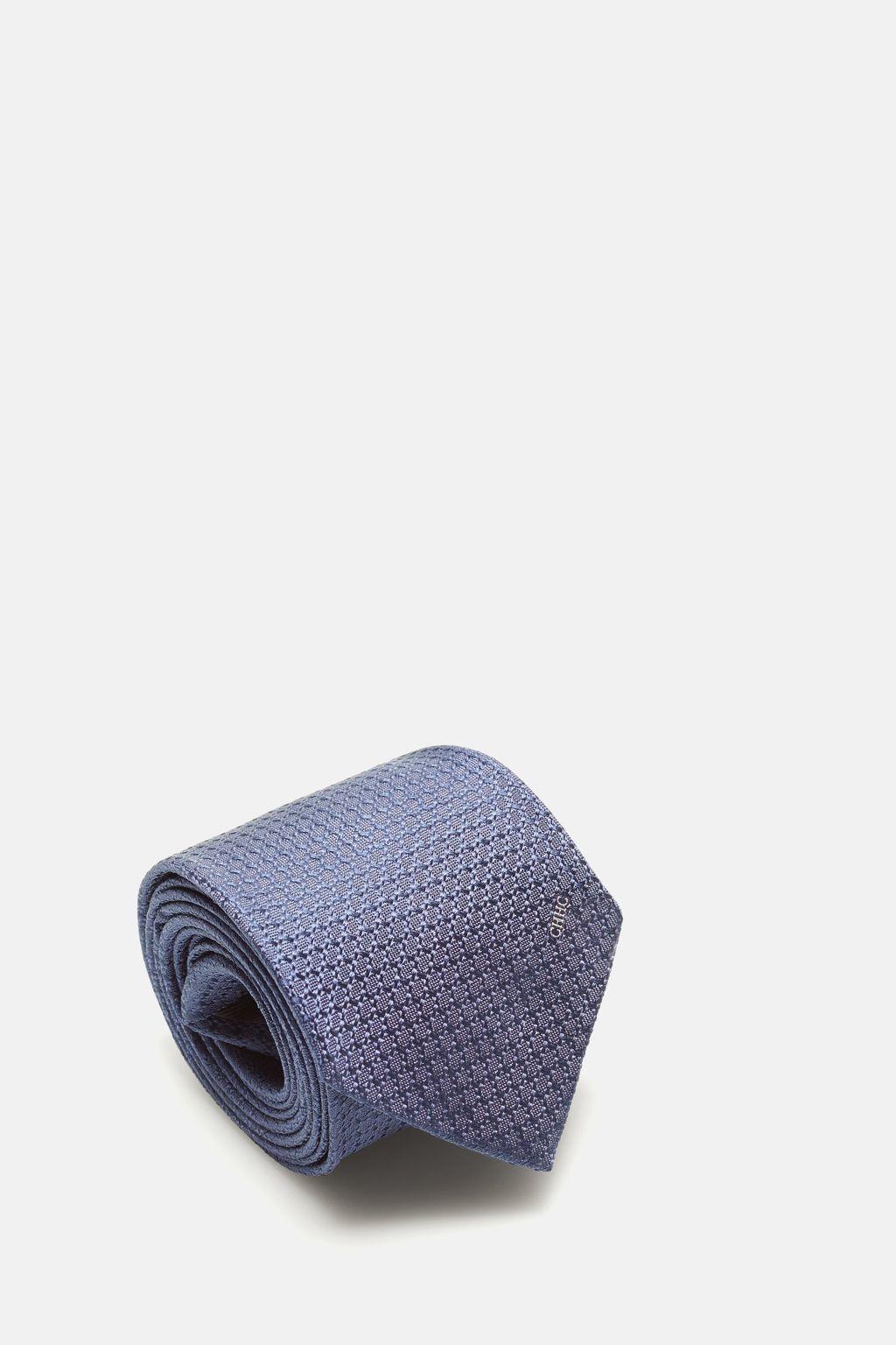 Structured silk tie